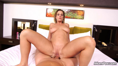 All natural divorced mom tries porn
