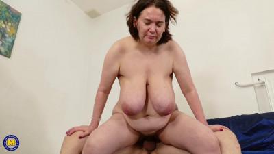 huge saggy tit mature fucked hard full hd