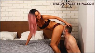 Brutal Facesitting - Mistress Rebeca Updated