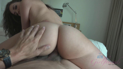 Gia Paige — A little ass grabbing in the morning gets