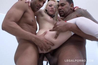 Russian babe Lola Taylor likes interracial gangbang with double fuck