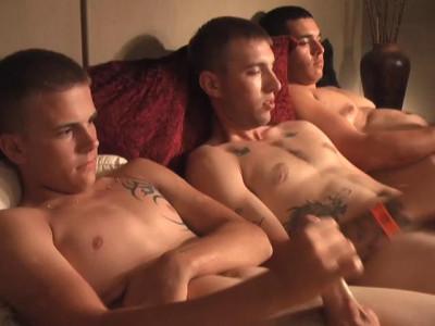 3 Soldiers Utah Brings 2 Of His Buddies