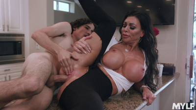 Melissa Lynn – Smooth MILF Snatch (2019)