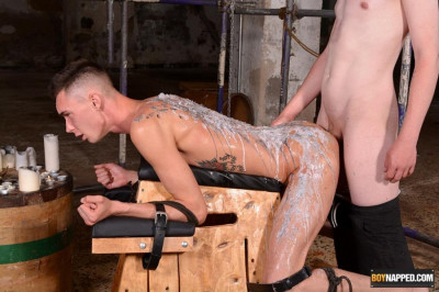 BNapped - Max London & Leo Sea - The Cute Twink Is In Charge