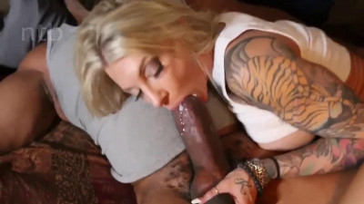 big booty blonde milf got pounded by big black dick 720p