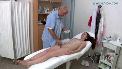 Krystal Tailor (19 years girl gyno exam)