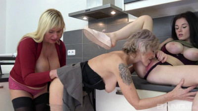 Hot Fuck Movies Grannies Catching Teens