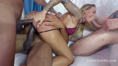 Pretty Babe Juelz Ventura Loves Interracial Anal Gangbang With Gigant Dicks