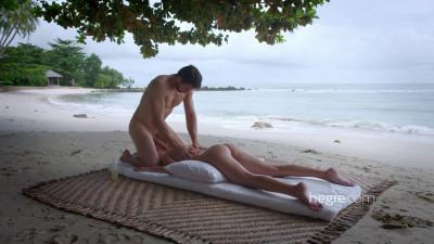 Description Erotic Beach Massage