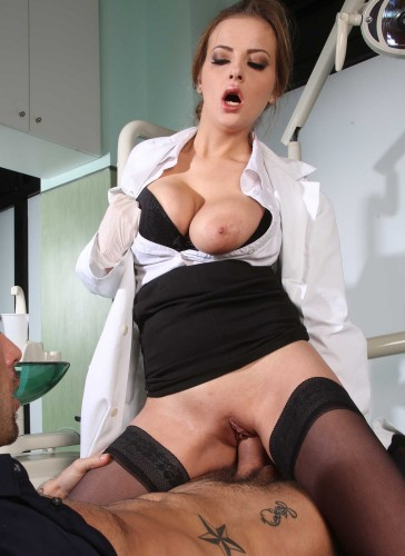 Sexy Pretty Lady Doctor Guessed What The Patient Wants