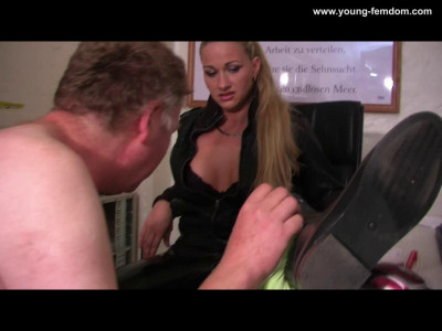 Young Femdom - What A Amazing Secratary