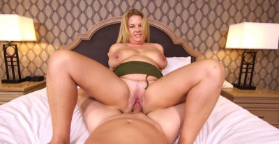 Thick Big Natural Tits Blonde MILF