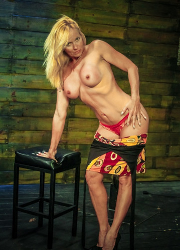 Sexy Dani Dare Begs for More Cock on the Sybian & Position