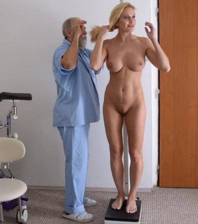 Clara Muller (41 years woman gyno exam)