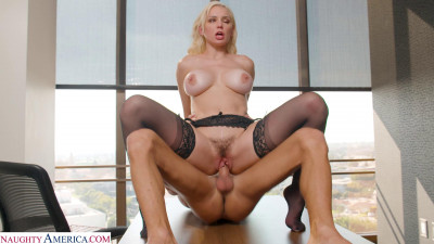 Kenzie Taylor – Busty Blonde Is Ready For You