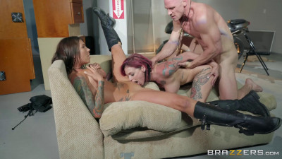 Anna Bell Peaks & Felicity Feline -These Biker Babes are Reckless