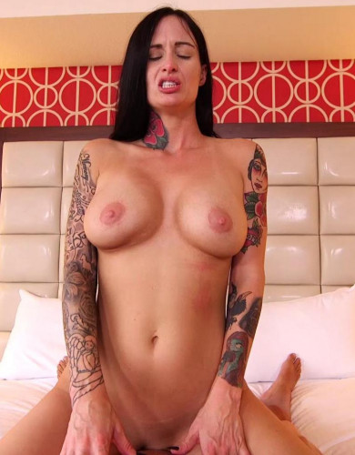Brook – Freak babe MILF with tatts FullHD 1080p