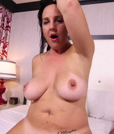 Louise Thick Amateur MILF Loves Anal FullHD 1080p