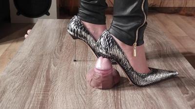 Lady Latisha - Extreme Sadistic Heel Insertion Cruel Trample