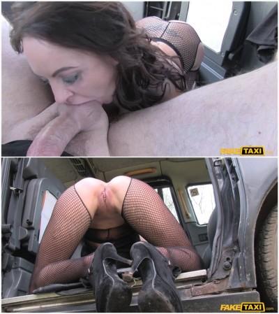 Street lady fucks cabbie for cash