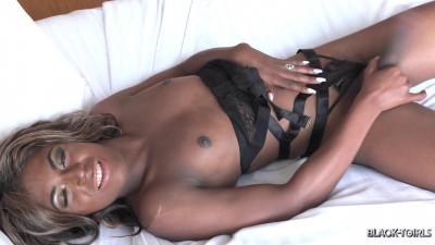 Ashley Banks — Big Cumshot!