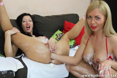 Isabella Clark and Hotkinkyjo creamy fistmass – FullHD 1080p