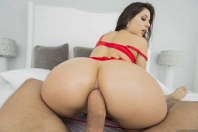 Pretty Latina Babe Gives Him A Really Holiday Gift