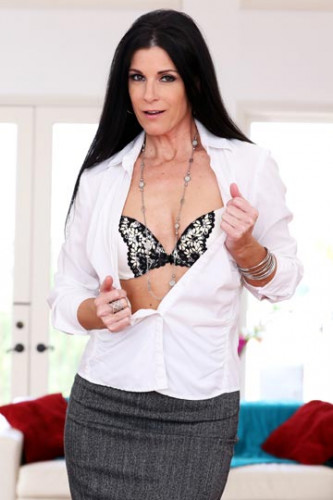 India Summer – Milf Pays Husband's Debt FullHD 1080p