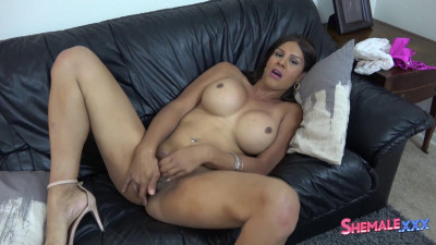 Shania Reyes Is Back!