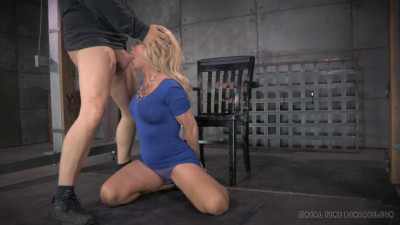 Description Blonde Milf Simone Sonay worked over hard by 2 cocks