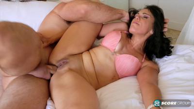 Gypsy`s anal pounding