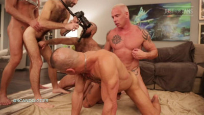 All-out bareback, hot hunks orgy
