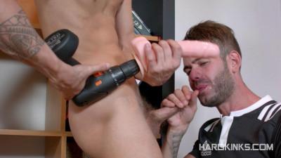 HardKinks - TV Repairman Into Slave (Alec Loob, Axel Max)