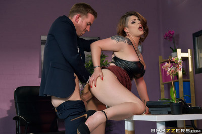 Description Lucia Love - My Submissive Boss(2019)