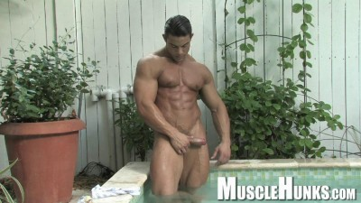 Description MuscleHunks - Rocco Martin - Lust Resort