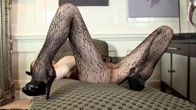 Katie White - Legs of lace! (18 Feb 2015)