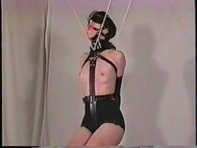 She's Just In Bikini And Pantyhose When She Was Bound