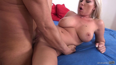Donna Bell – Hot and Horny Housewife (2019)