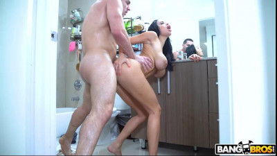 Busty Victoria Fucks Her New Roommate