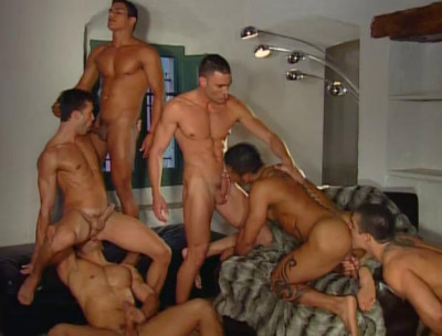Skin Orgies With Muscle Males