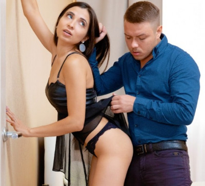 Foreplaying before going out Polina Sweet FullHD 1080p
