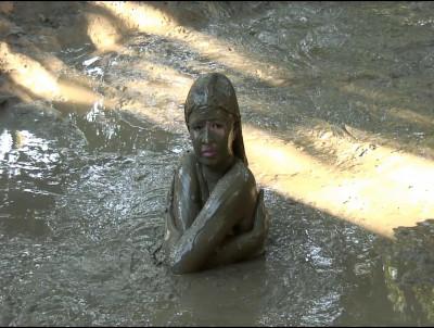 Muddy Pinays And Mud Action part 10