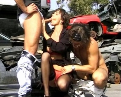 Junkyard fucking of two cocks