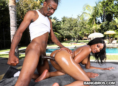 Description Lala Ivey - Poolside Pounding(2019)