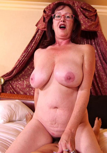 Barbara - Huge natural tits curvy MILF FullHD 1080p