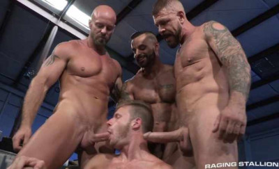 Description Muscle Guards In Hard Gangbang