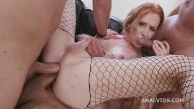 Busted Ts Shiri Allwood, four on one – Dap, Cum in Mouth