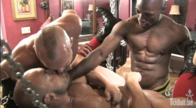 Wet Muscle Pigs In Orgy