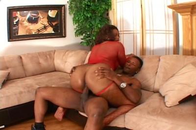 Cumming on a Giant Butt!