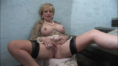 Lady Sonia - 34 F Cup MILF Flasing On The Stairs